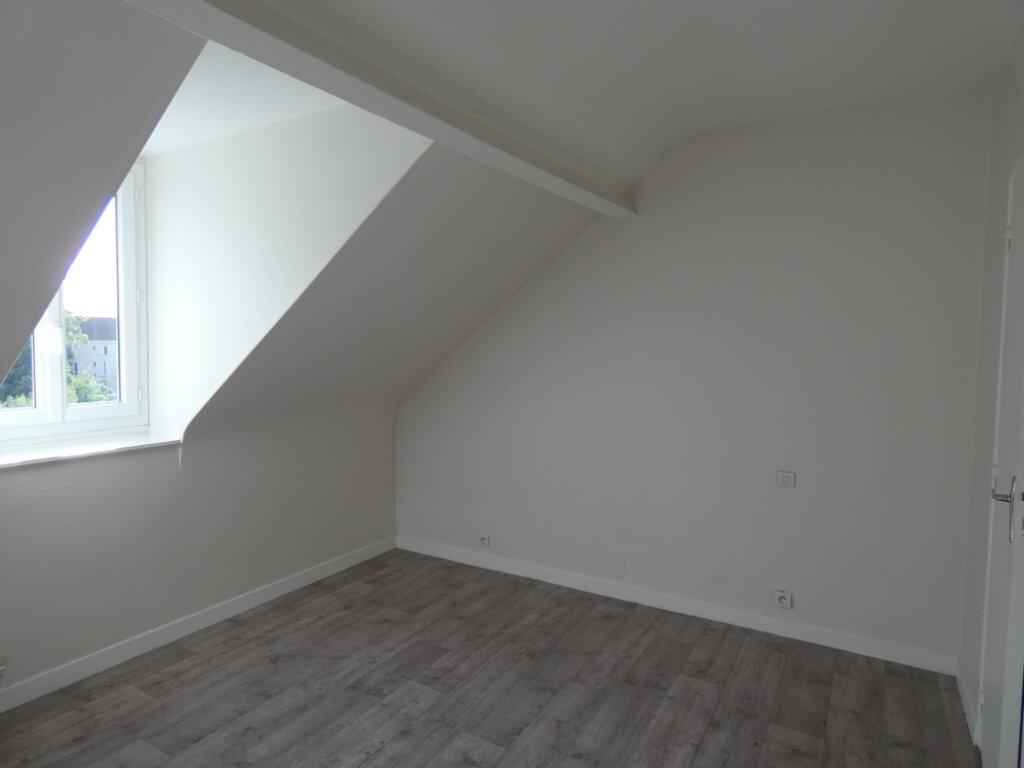 Appartement à louer 2 18.07m2 à Château-Thierry vignette-2
