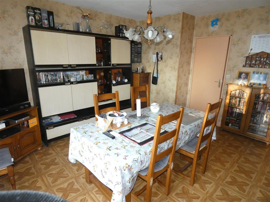 Appartement à vendre 4 68.25m2 à Essômes-sur-Marne vignette-1