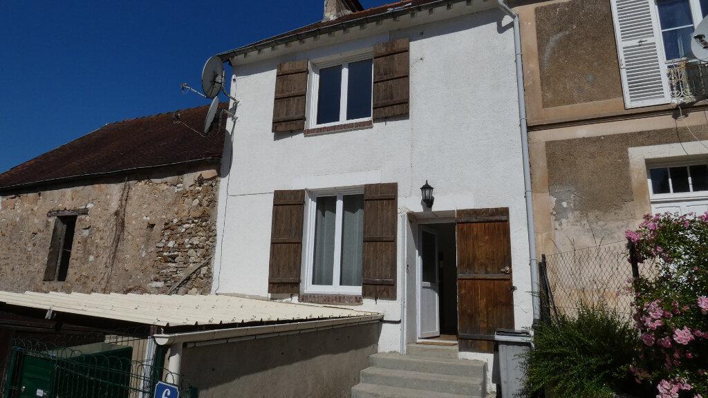 Maison à louer 3 90.55m2 à Chartèves vignette-2