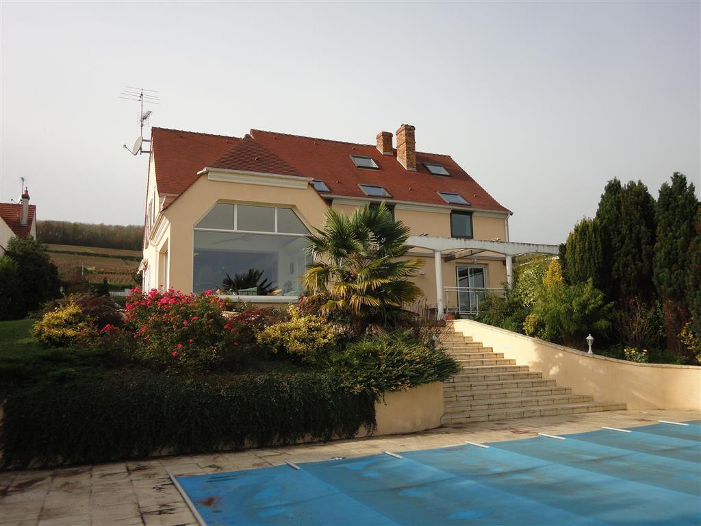 Maison à vendre 10 270m2 à Essômes-sur-Marne vignette-1