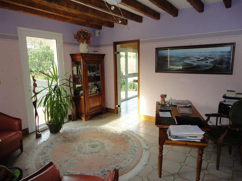 Maison à vendre 10 270m2 à Essômes-sur-Marne vignette-5