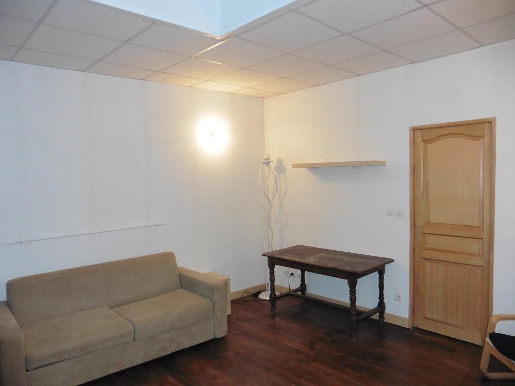 Appartement à louer 1 32.4m2 à Château-Thierry vignette-3
