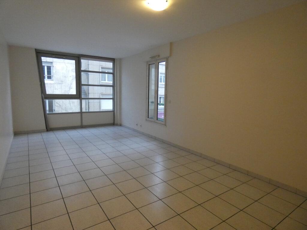 Appartement à louer 2 60m2 à Château-Thierry vignette-1