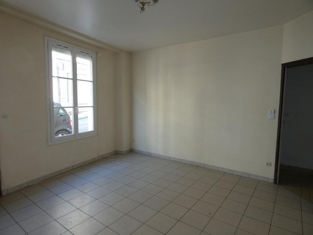Appartement à louer 3 53m2 à Château-Thierry vignette-2