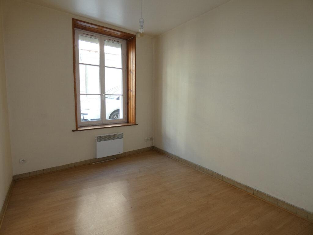 Appartement à louer 3 53m2 à Château-Thierry vignette-3