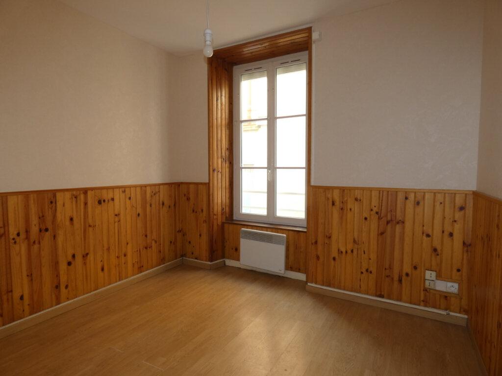 Appartement à louer 3 53m2 à Château-Thierry vignette-4