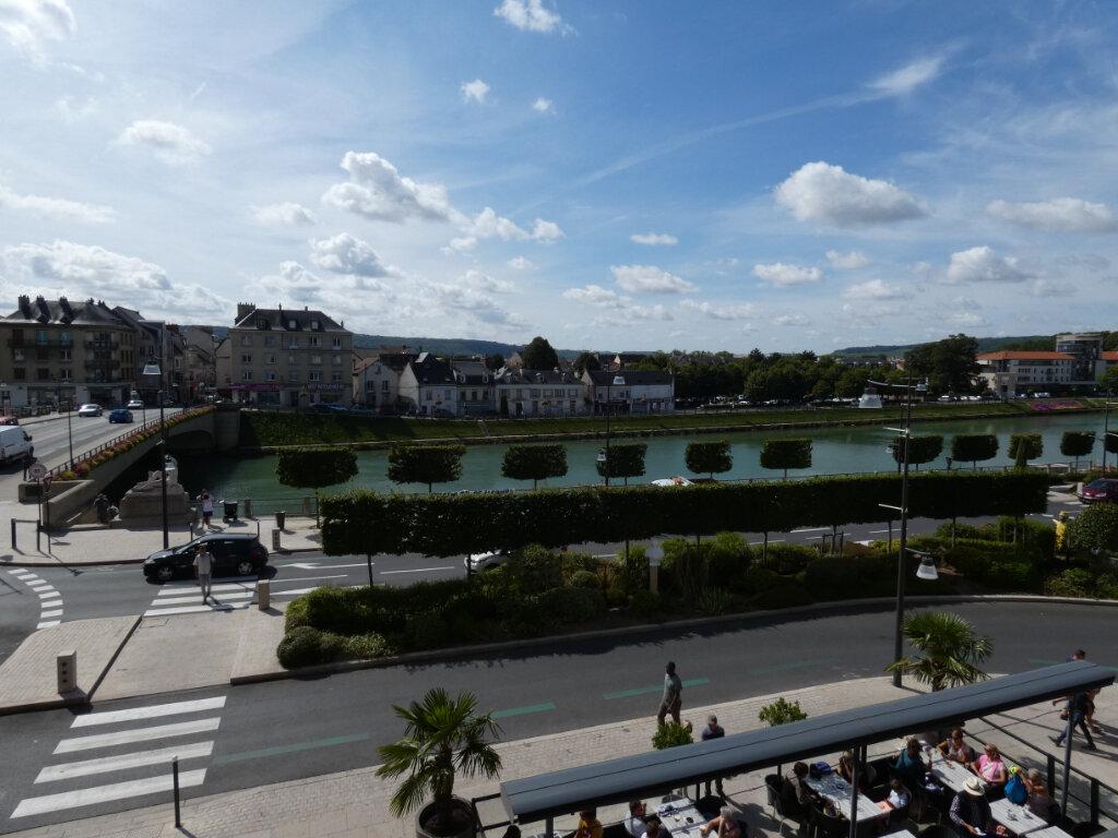 Appartement à louer 2 51.65m2 à Château-Thierry vignette-6