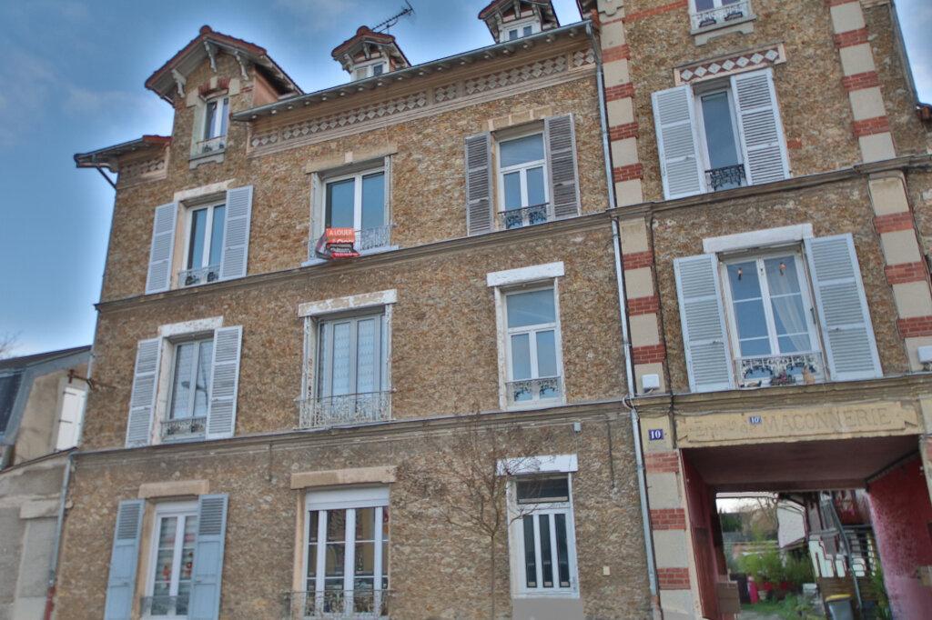 Appartement à louer 3 61m2 à Château-Thierry vignette-4