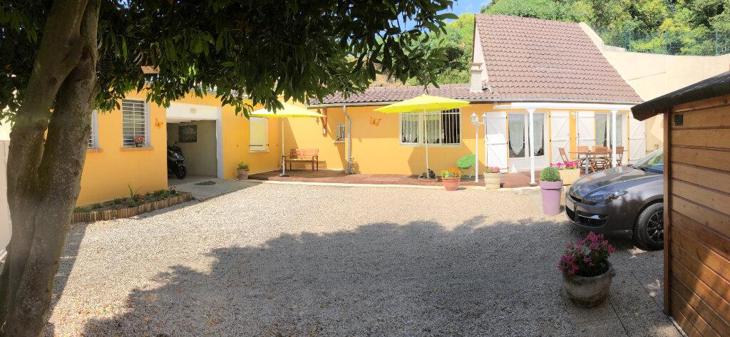 Maison à vendre 4 131m2 à Saulchery vignette-1