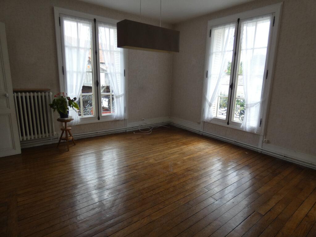 Appartement à louer 3 58.83m2 à Charly-sur-Marne vignette-3