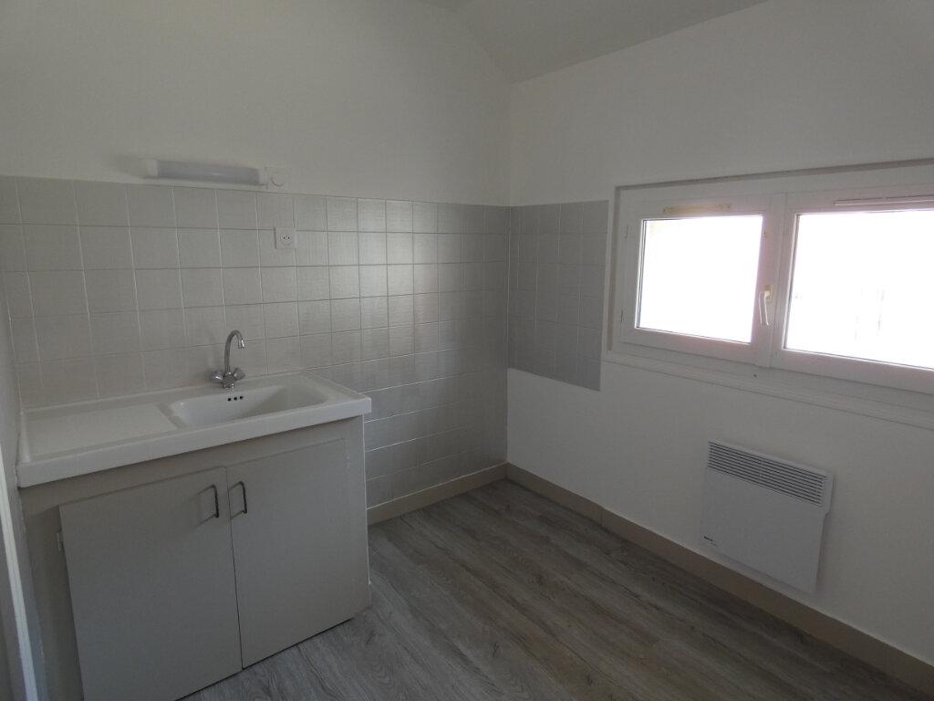 Appartement à louer 1 20m2 à Château-Thierry vignette-3