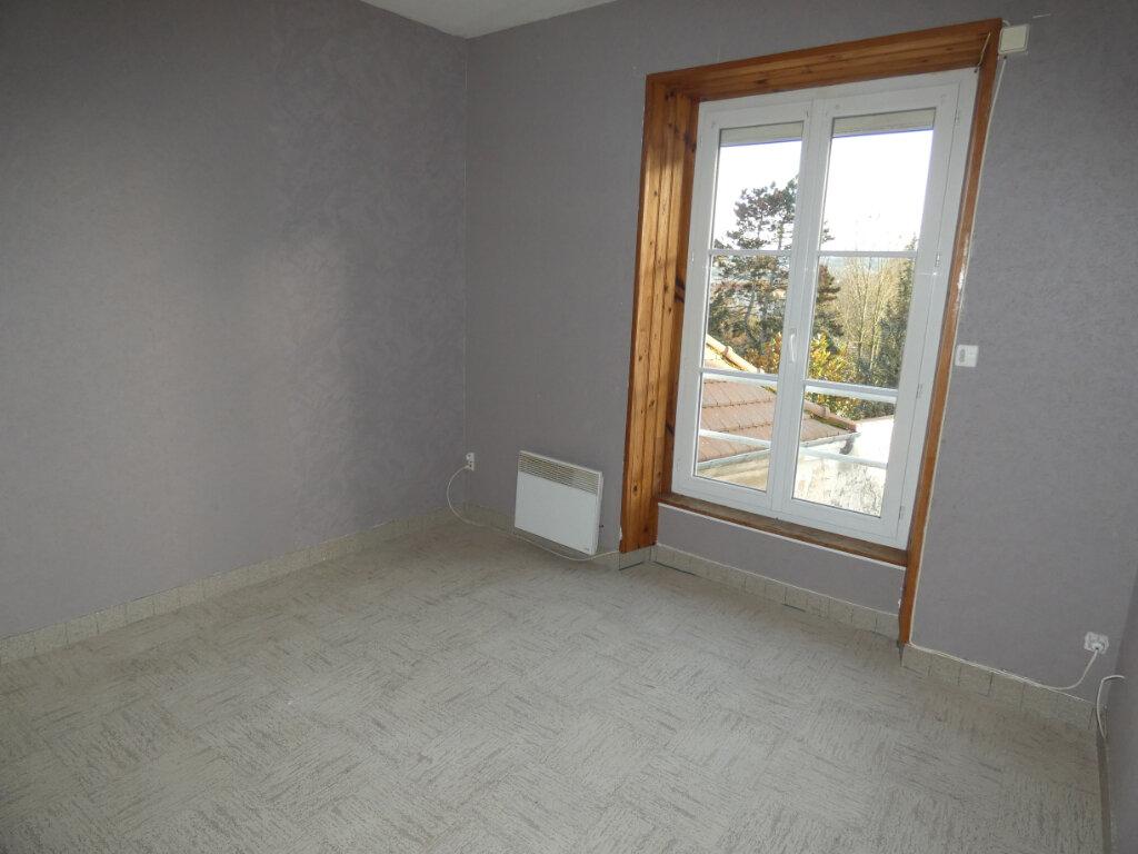 Appartement à louer 2 27.42m2 à Château-Thierry vignette-3