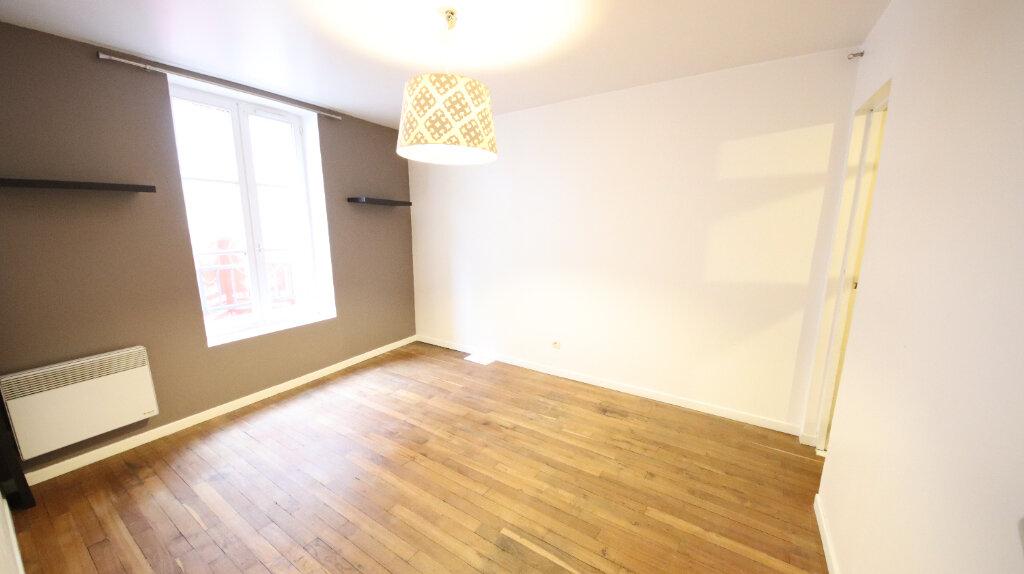 Appartement à louer 2 48.27m2 à Château-Thierry vignette-2