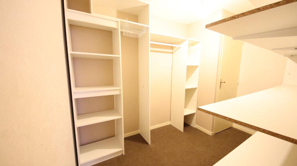 Appartement à louer 2 48.27m2 à Château-Thierry vignette-5