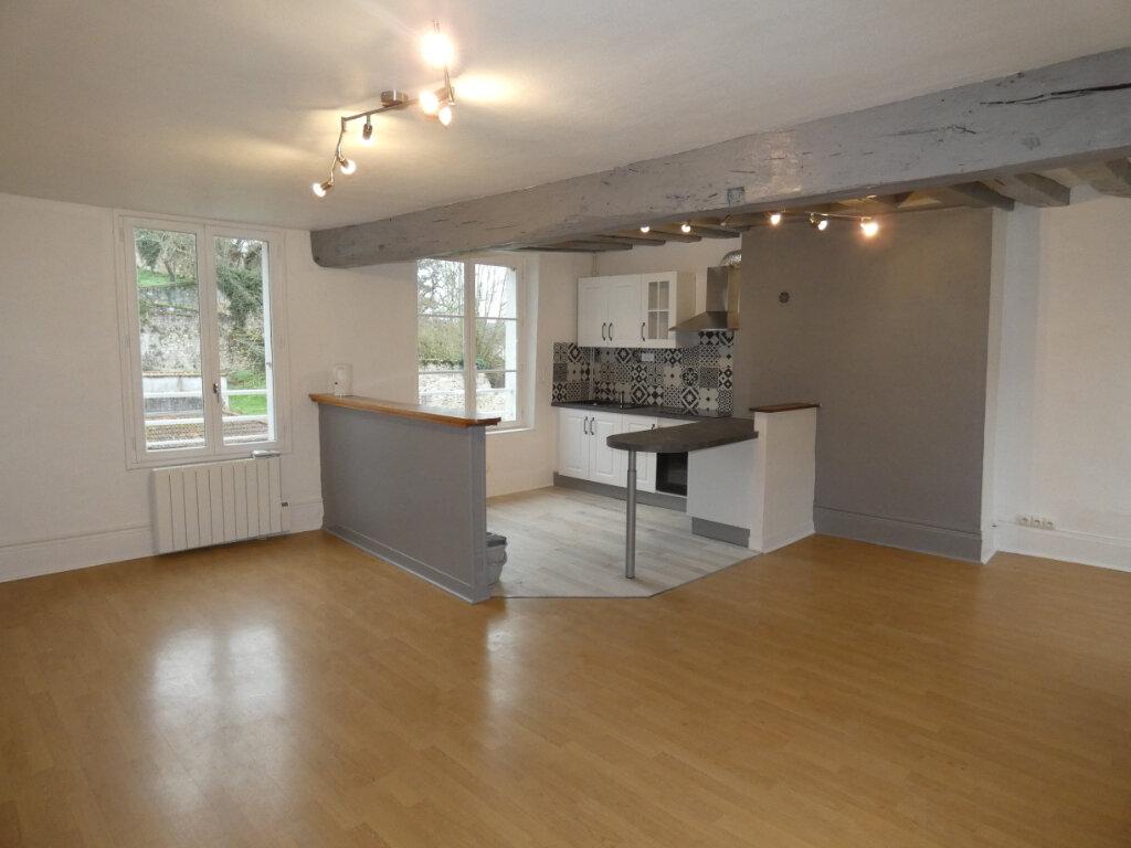 Appartement à louer 4 108m2 à Château-Thierry vignette-5
