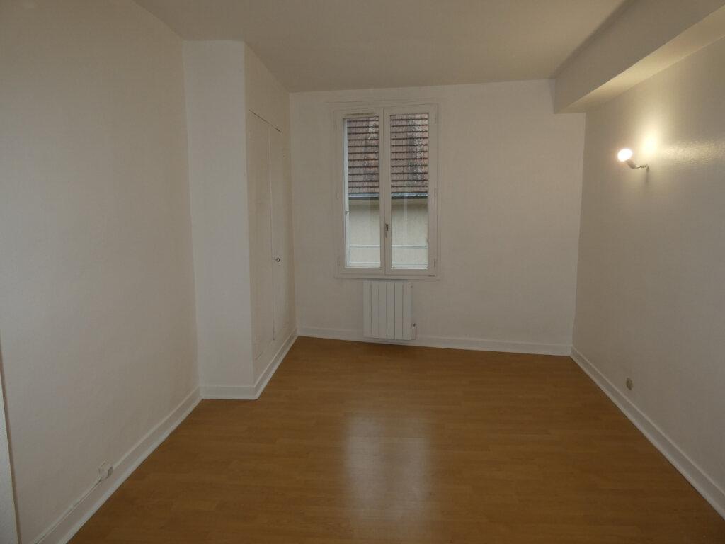 Appartement à louer 4 108m2 à Château-Thierry vignette-6