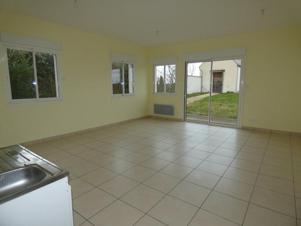 Maison à louer 4 83m2 à Nesles-la-Montagne vignette-3