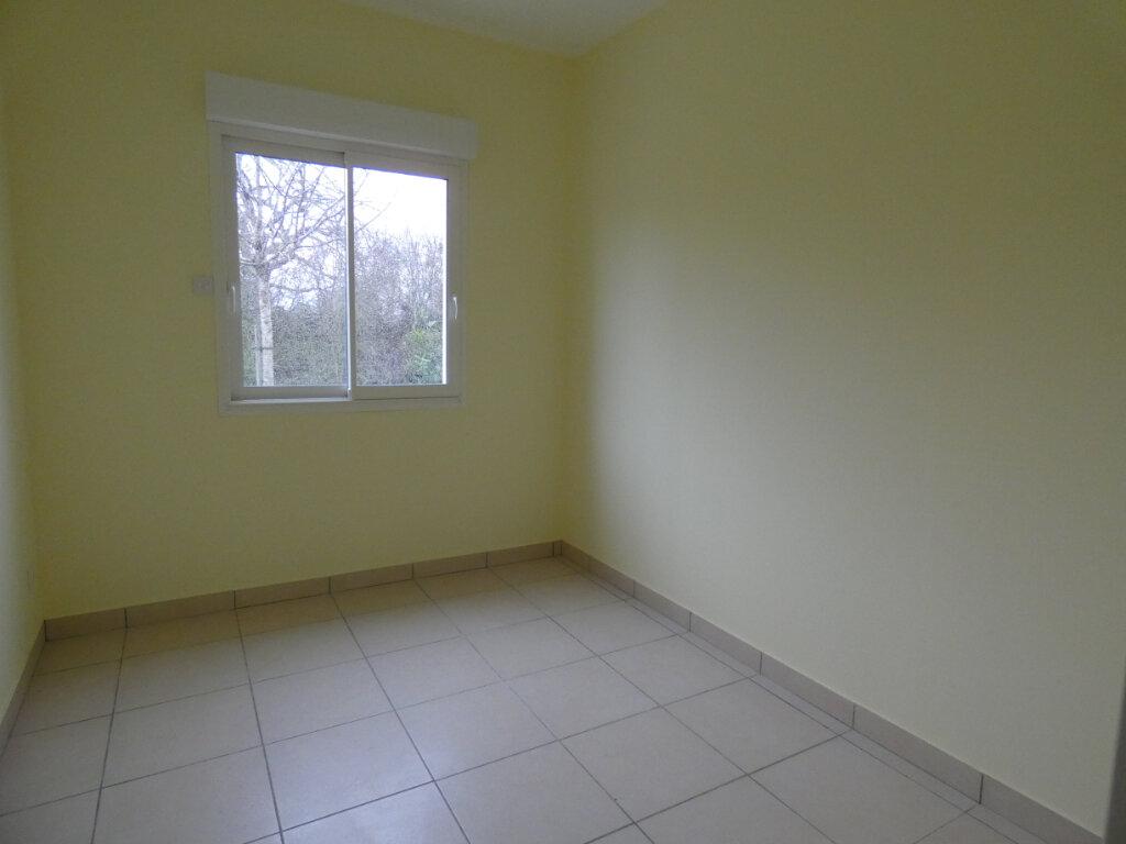 Maison à louer 4 83m2 à Nesles-la-Montagne vignette-4