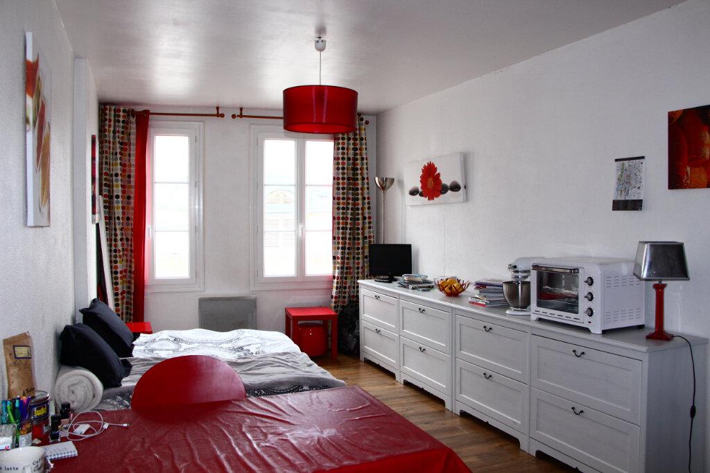 Appartement à louer 1 25m2 à La Rochelle vignette-2
