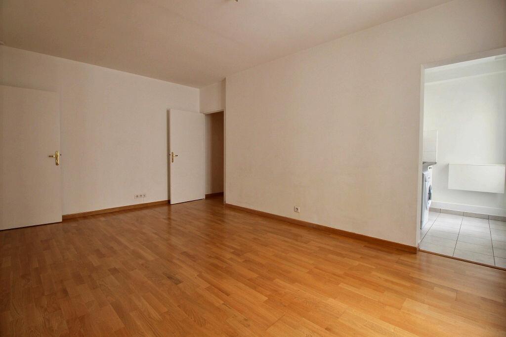 Appartement à louer 3 56.43m2 à Malakoff vignette-3