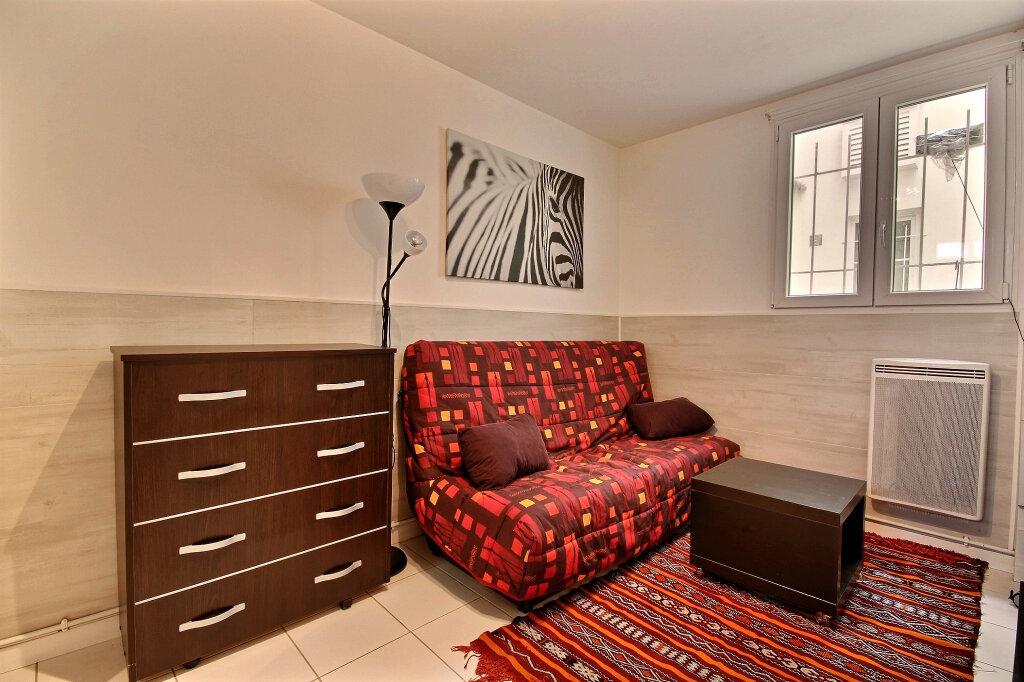 Appartement à louer 1 17m2 à Gentilly vignette-1