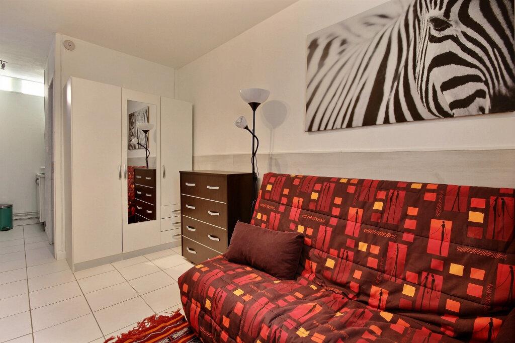 Appartement à louer 1 17m2 à Gentilly vignette-3