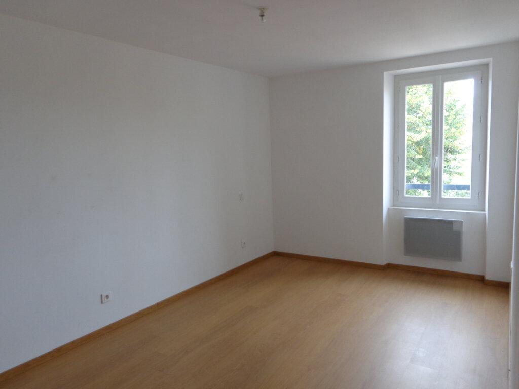 Appartement à louer 3 64.4m2 à Caussade vignette-5