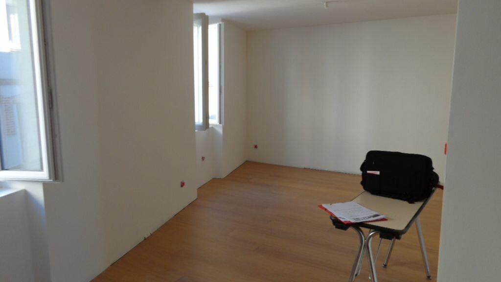 Appartement à louer 3 64.4m2 à Caussade vignette-6