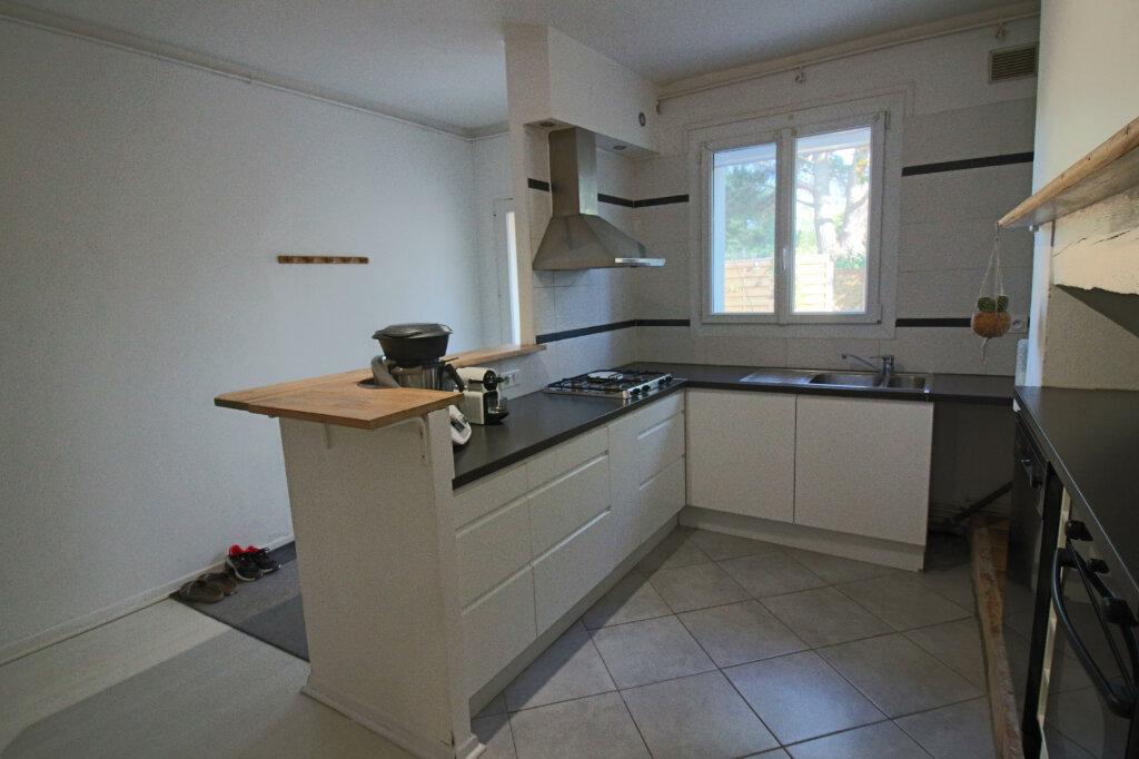 Appartement à louer 3 0m2 à Labastide-Saint-Pierre vignette-2