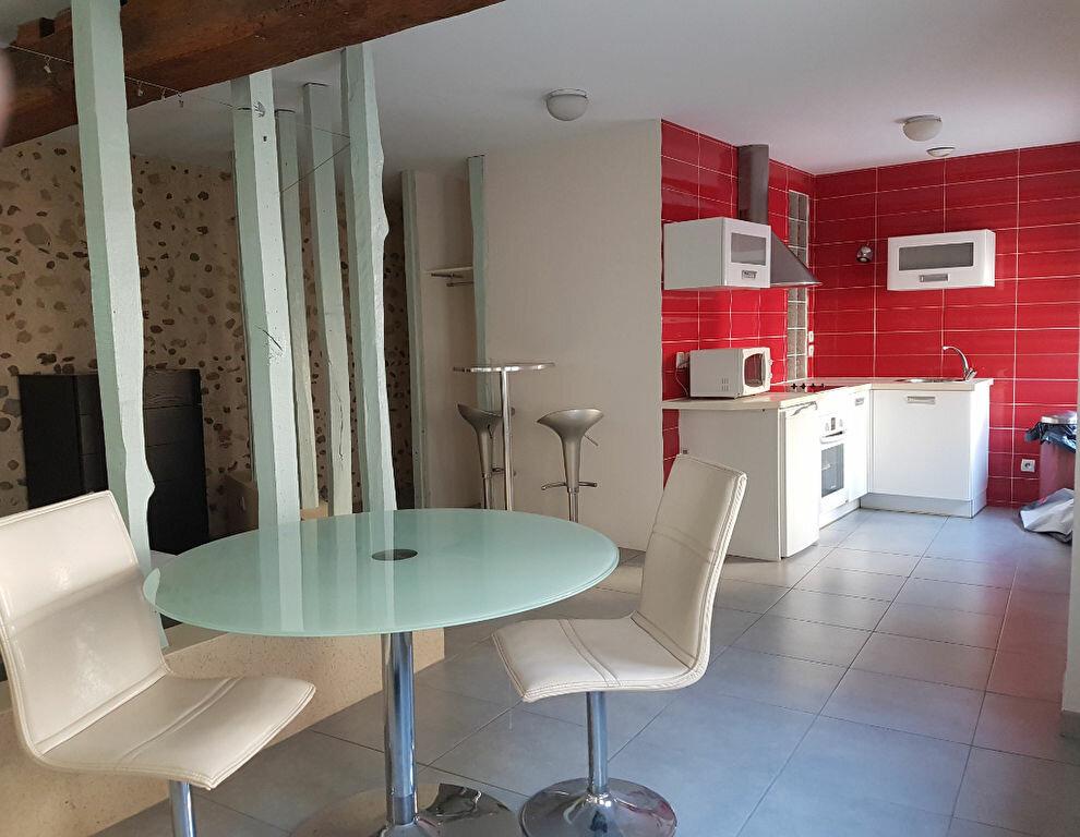 Appartement à louer 1 38m2 à Aire-sur-l'Adour vignette-1