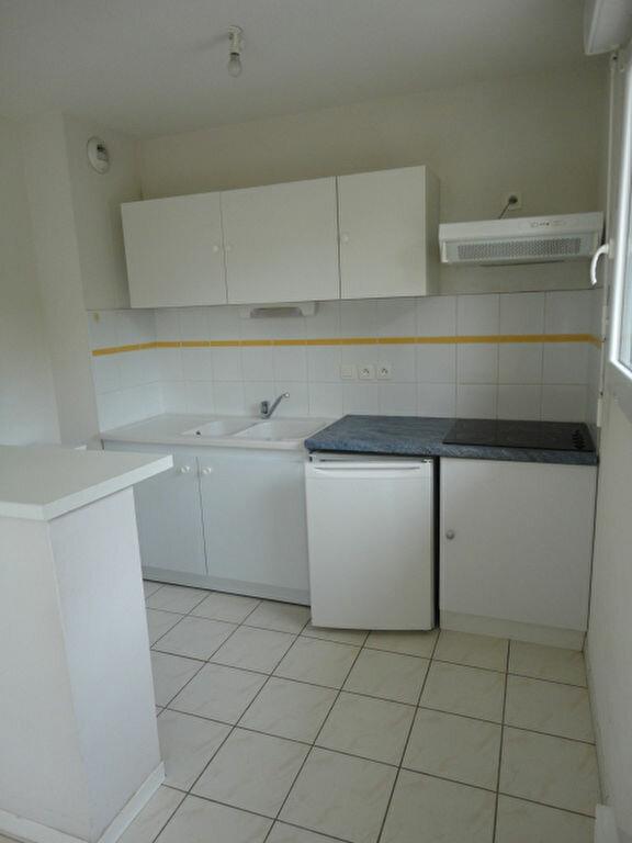 Appartement à louer 3 57m2 à Aire-sur-l'Adour vignette-2