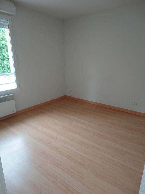 Appartement à louer 3 57m2 à Aire-sur-l'Adour vignette-4
