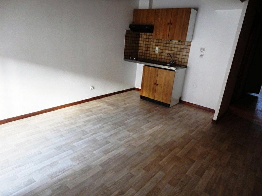 Appartement à louer 2 27m2 à Aire-sur-l'Adour vignette-1