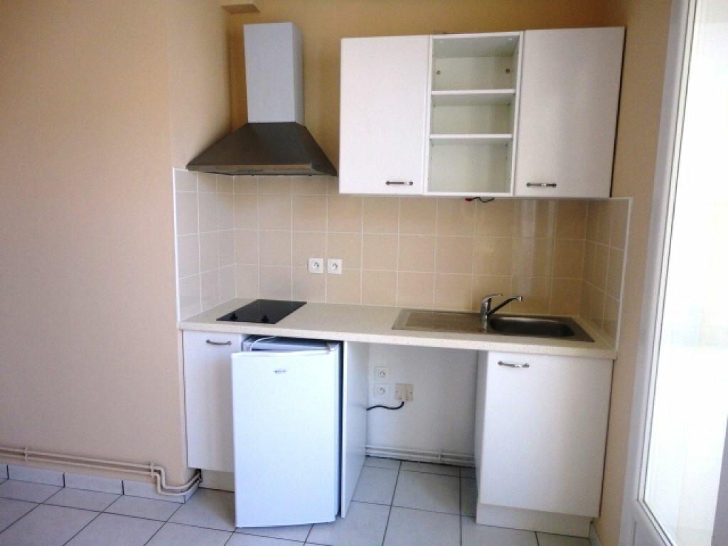 Appartement à louer 2 35m2 à Garlin vignette-2