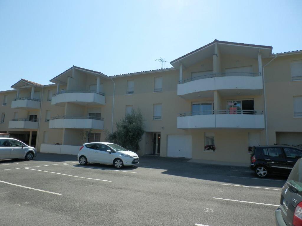 Appartement à louer 3 63m2 à Aire-sur-l'Adour vignette-1