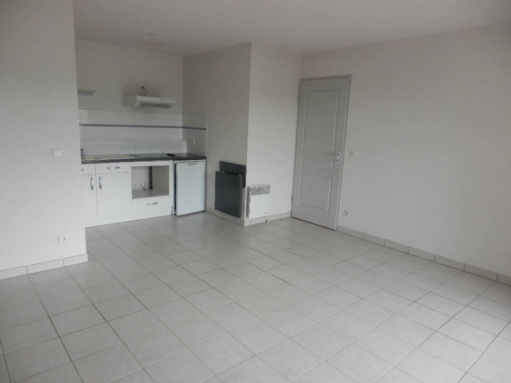 Appartement à louer 3 63m2 à Aire-sur-l'Adour vignette-2