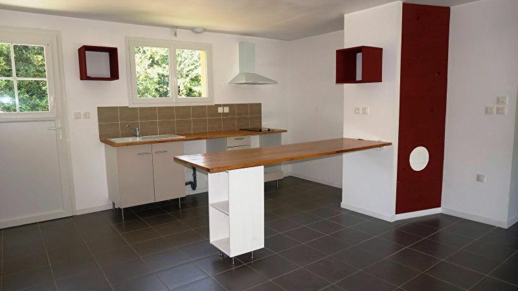 Maison à louer 5 80m2 à Aire-sur-l'Adour vignette-3