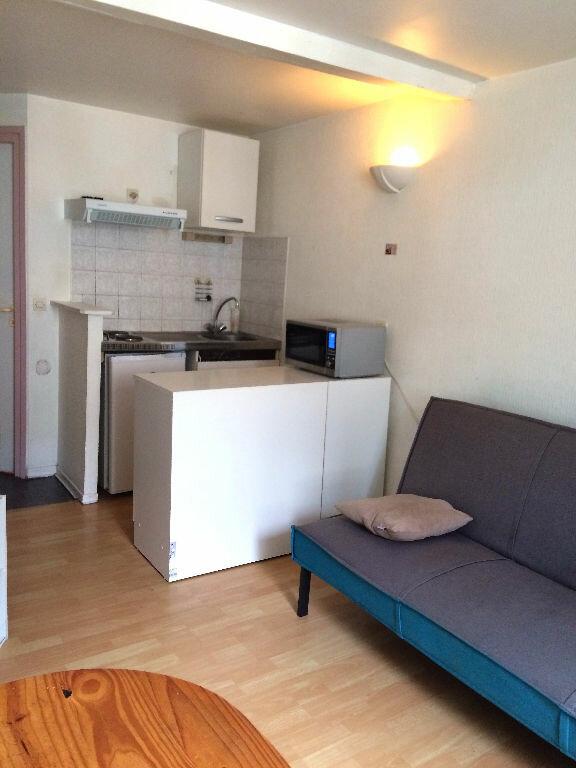 Appartement à louer 1 13m2 à Aire-sur-l'Adour vignette-1