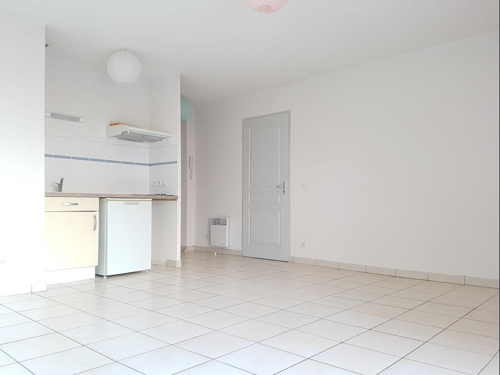 Appartement à louer 2 43m2 à Aire-sur-l'Adour vignette-3