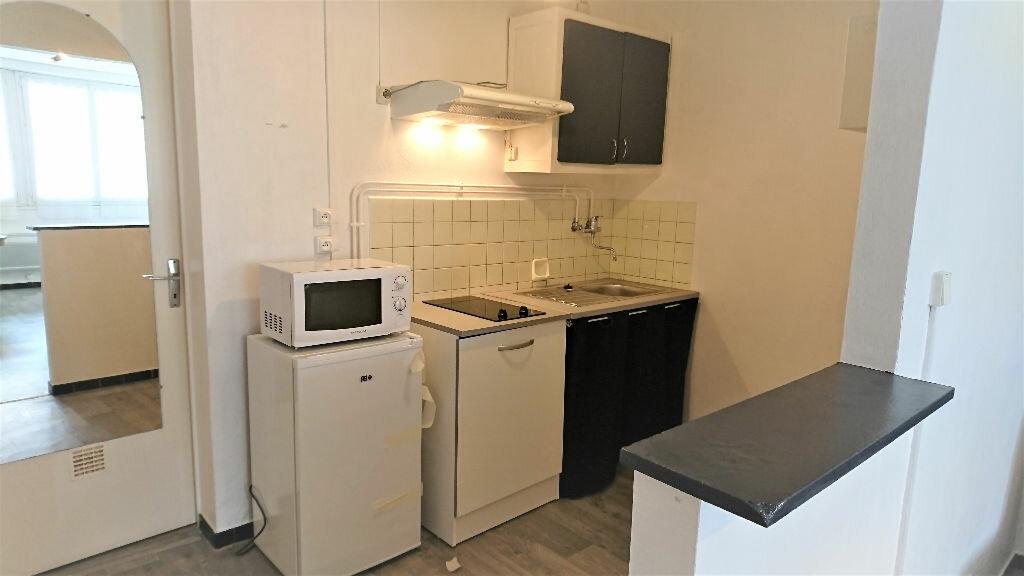 Appartement à louer 1 26m2 à Aire-sur-l'Adour vignette-3