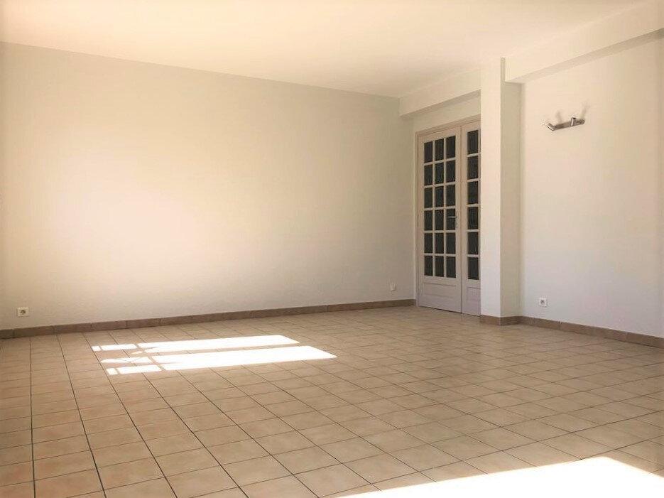 Appartement à louer 3 110m2 à Aire-sur-l'Adour vignette-2