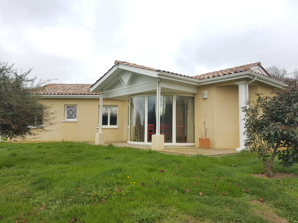 Maison à vendre 5 134.62m2 à Arblade-le-Bas vignette-1