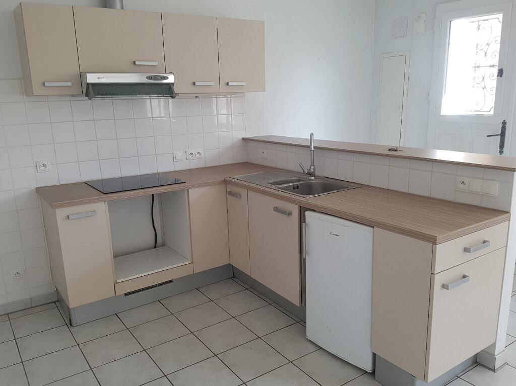 Appartement à louer 2 65m2 à Viella vignette-3