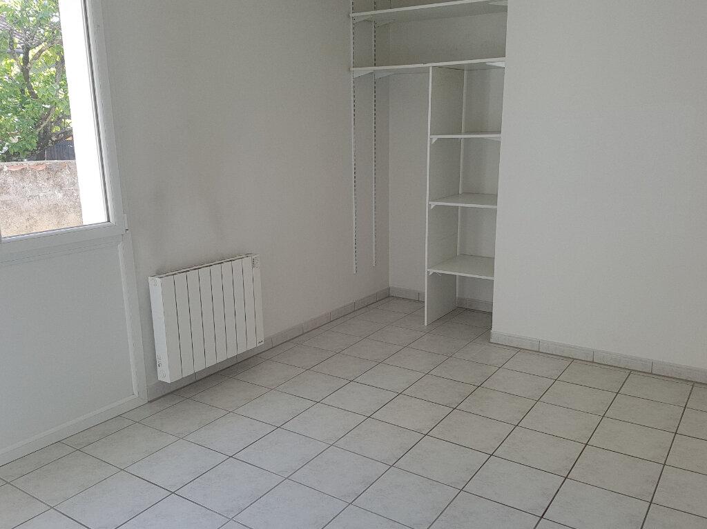 Appartement à louer 2 65m2 à Viella vignette-4