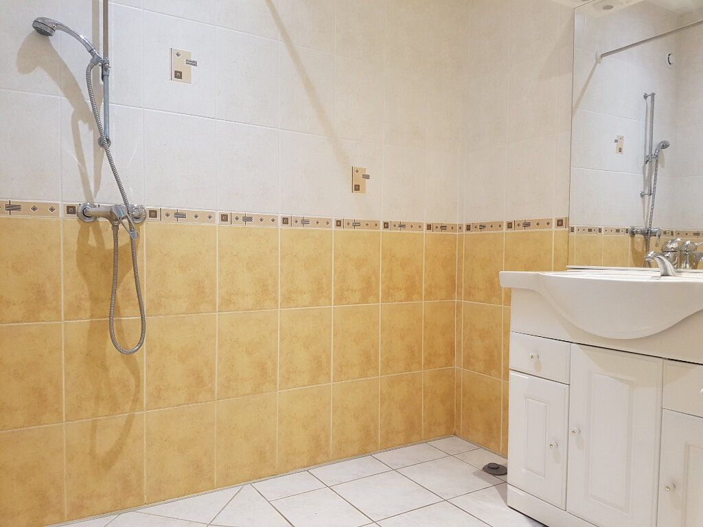 Appartement à louer 2 65m2 à Viella vignette-5