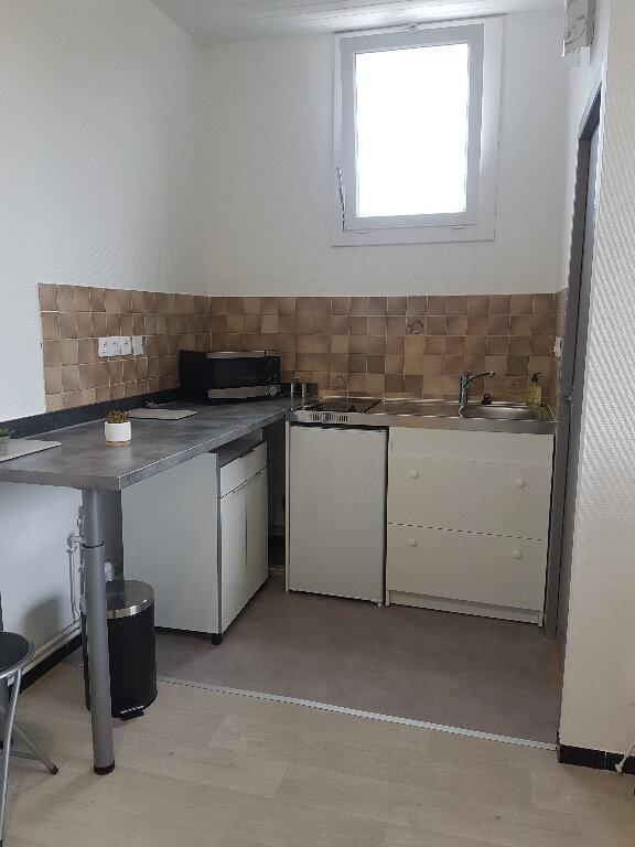 Appartement à louer 1 23m2 à Aire-sur-l'Adour vignette-2