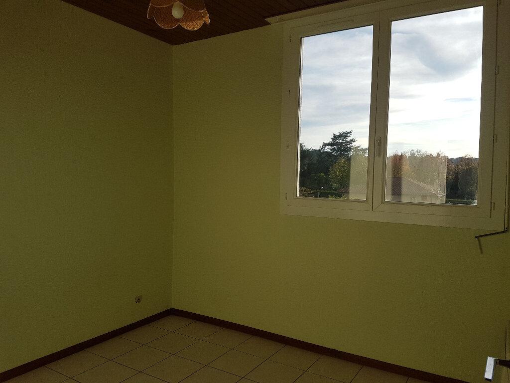 Appartement à louer 2 30m2 à Aire-sur-l'Adour vignette-3