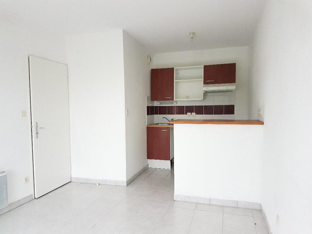 Appartement à louer 2 34.75m2 à Aire-sur-l'Adour vignette-2