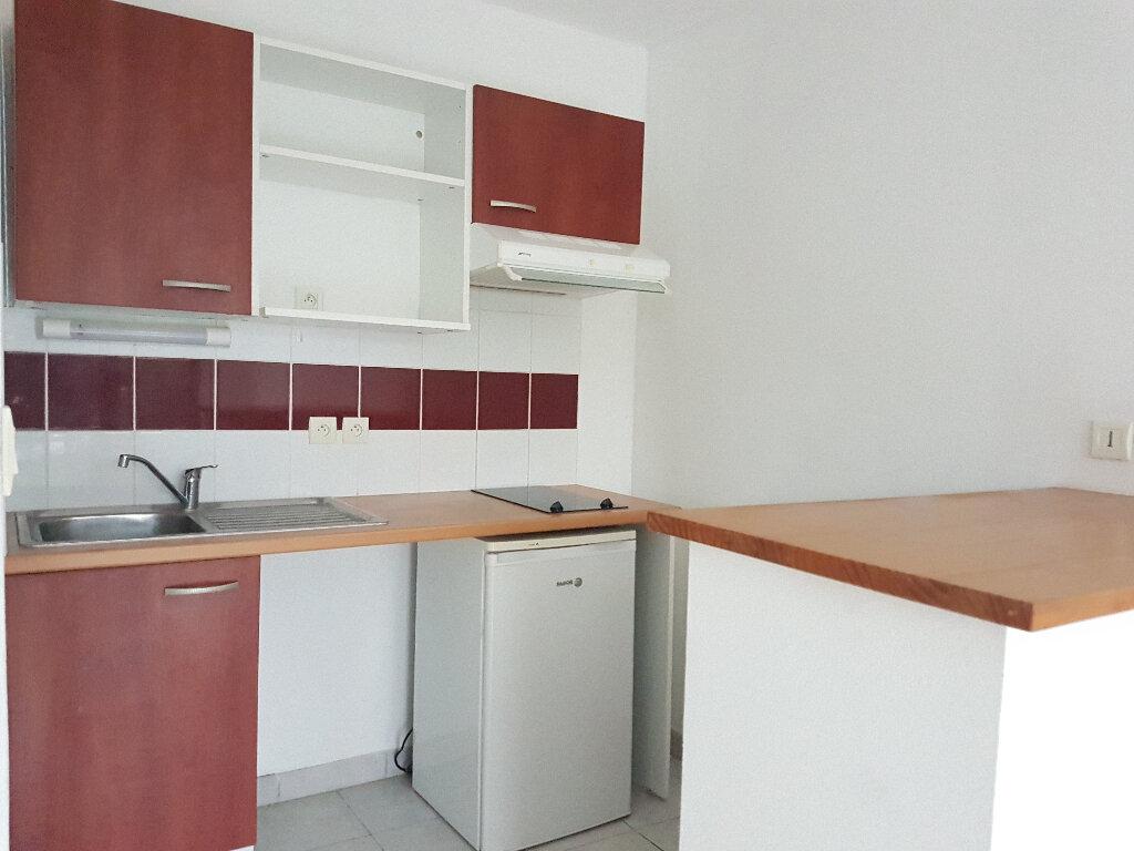 Appartement à louer 2 34.75m2 à Aire-sur-l'Adour vignette-3
