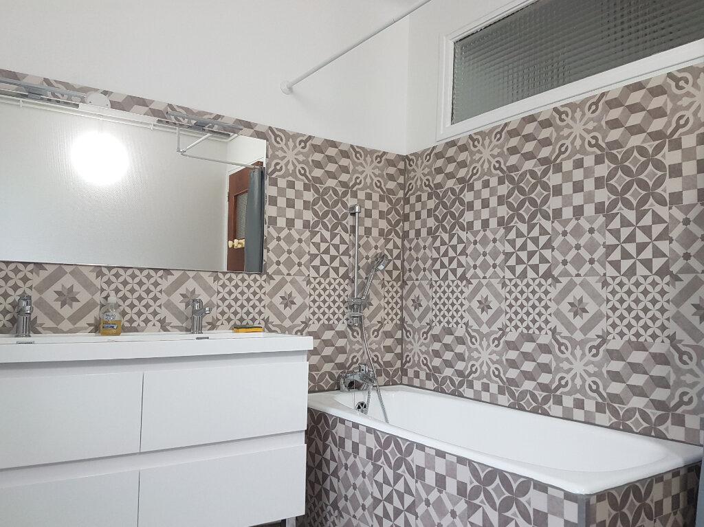 Appartement à louer 3 81m2 à Aire-sur-l'Adour vignette-3